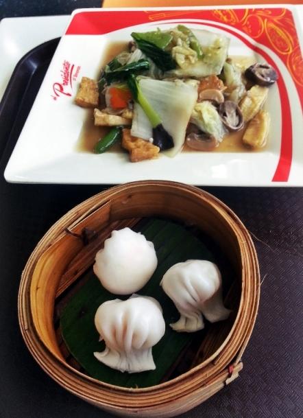 kakaw and veggies